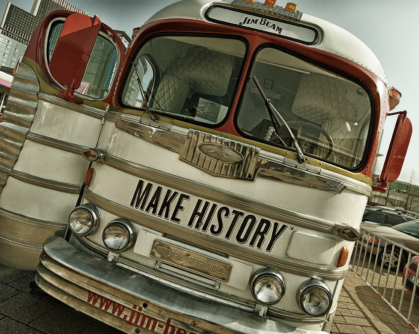 Alter Warwick Tour Bus