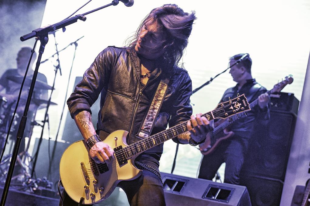 Electric Guitars_2